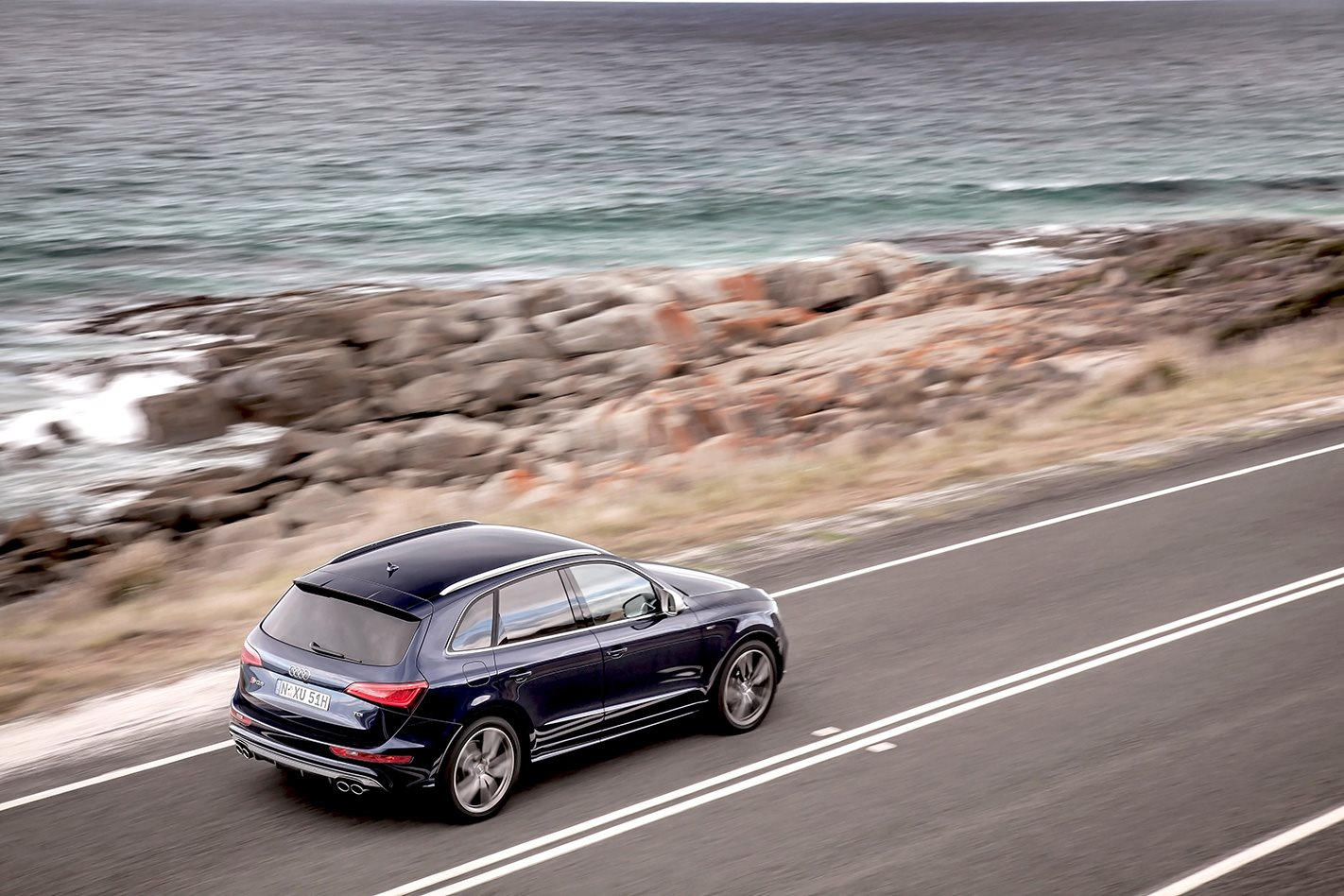 Audi SQ5 on road.jpg