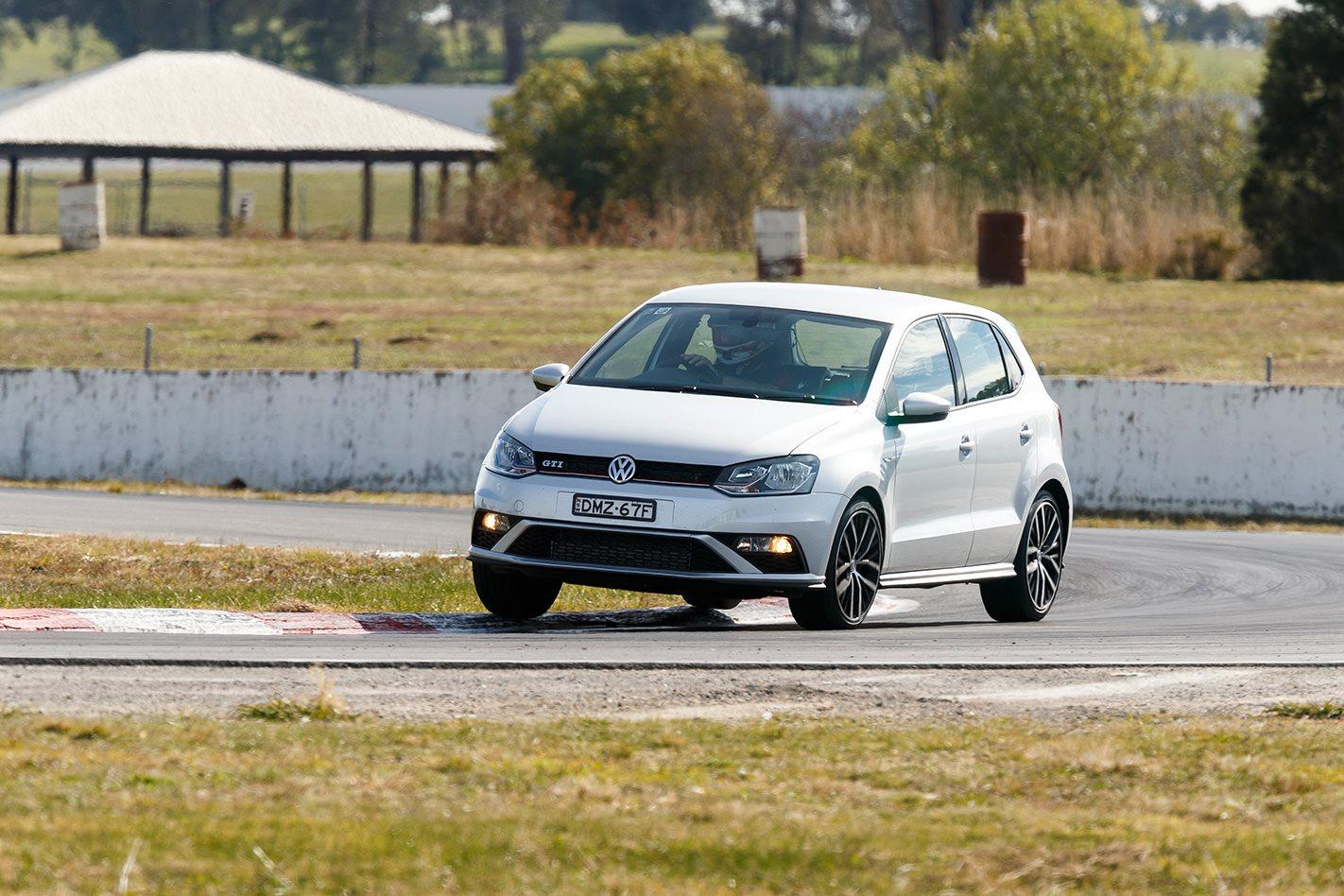 2017 Volkswagen Polo GTI steering.jpg