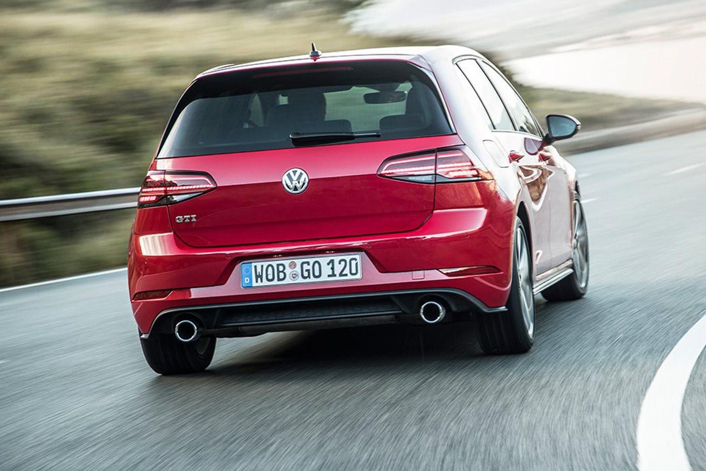 2017 Volkswagen Golf GTI 7.5 rear
