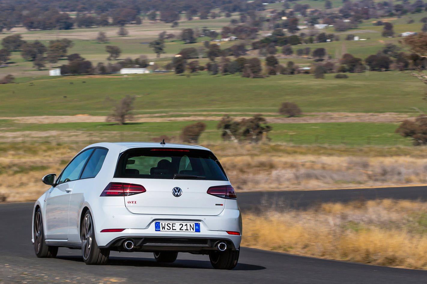 2017 Volkswagen Golf GTI Performance drive.jpg