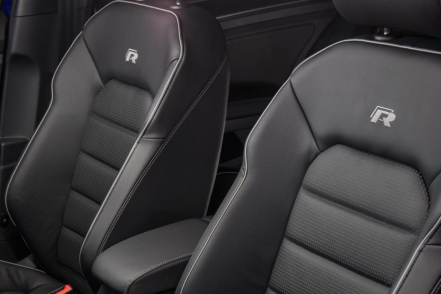 2017 Volkswagen Golf R 7.5 seats.jpg
