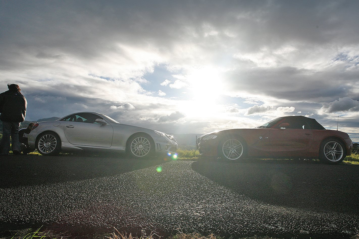 2006 BMW Z4 M vs Mercedes AMG SLK55 side