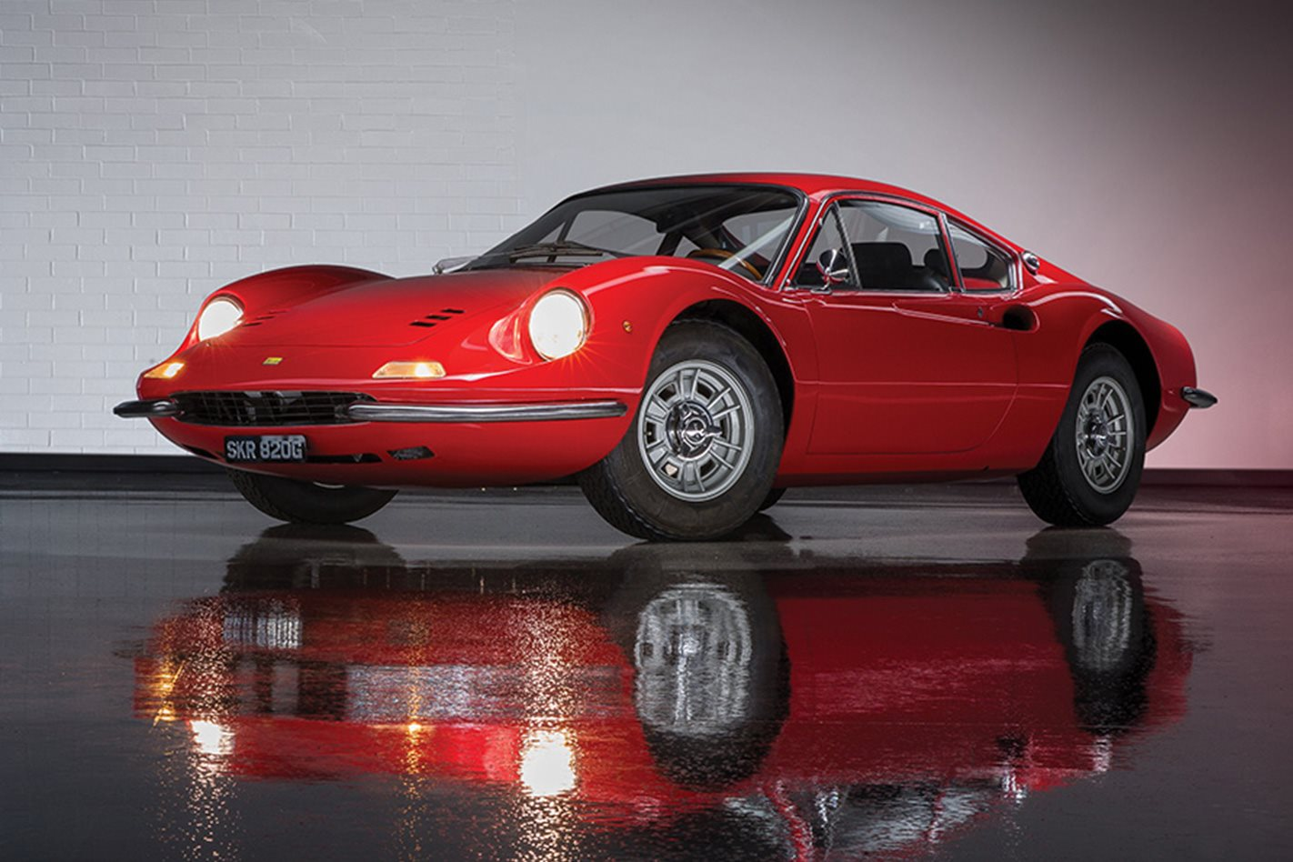 1969-Ferrari-Dino-206-GT-headlights.jpg