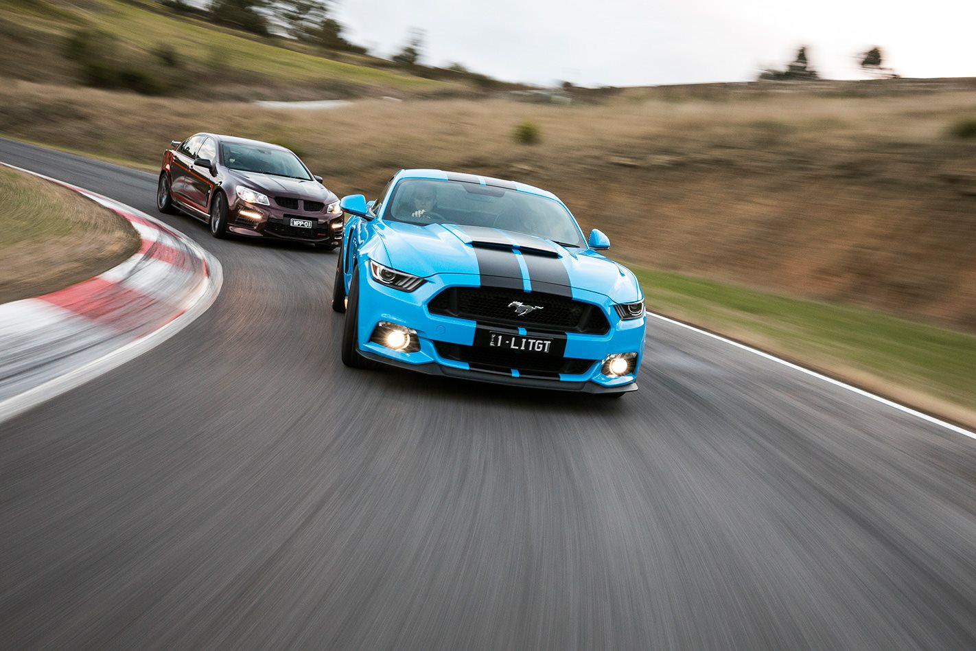 2017 Herrod Mustang GT vs 2017 Walkinshaw W557 steering