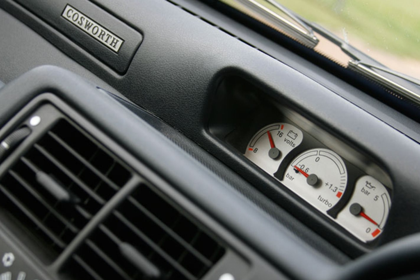 1992 Ford Escort RS Cosworth gauges