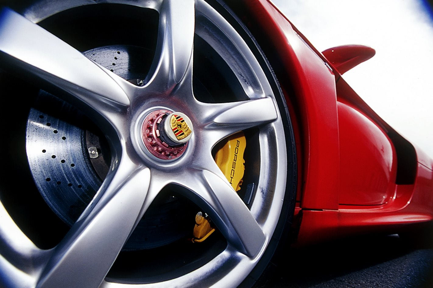 2004 Porsche Carrera GT wheel