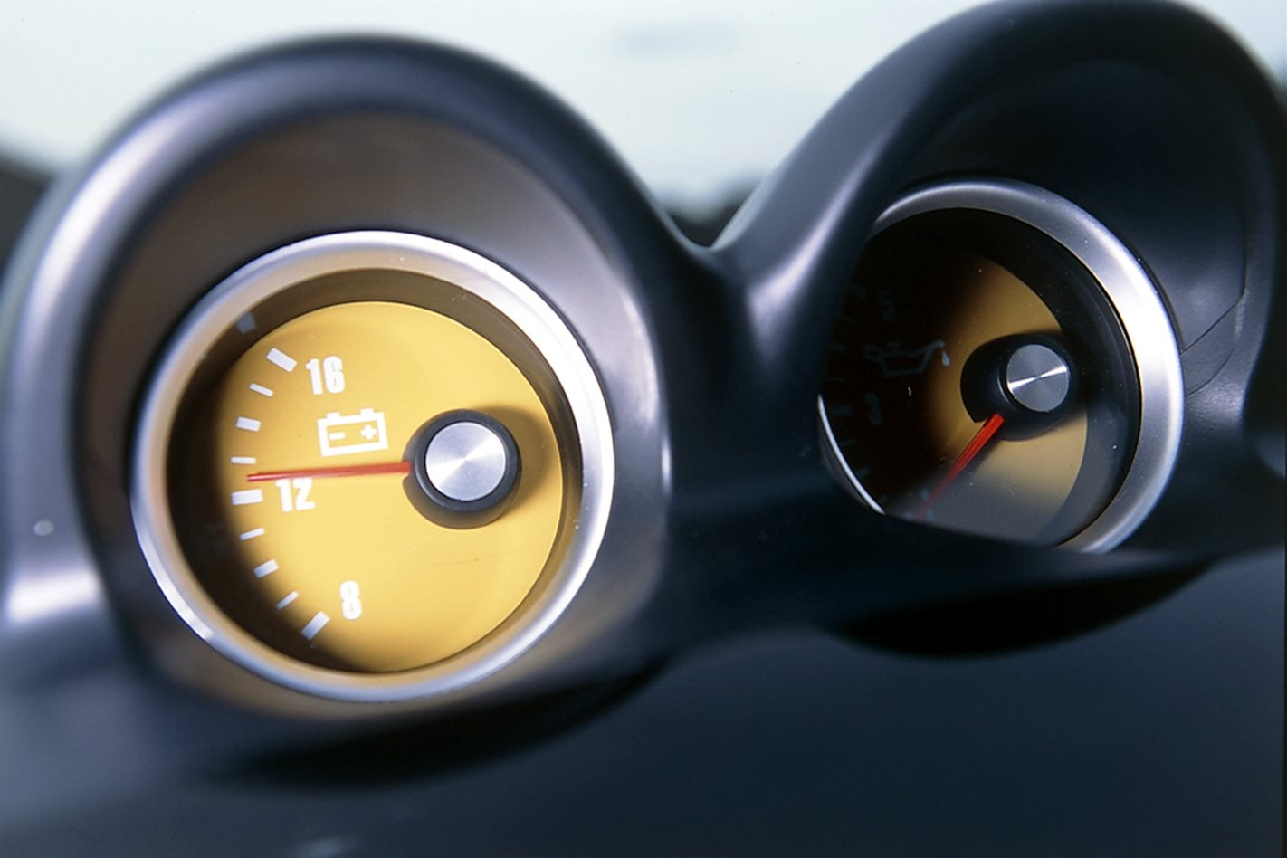 2004 Holden Monaro VZ gauges