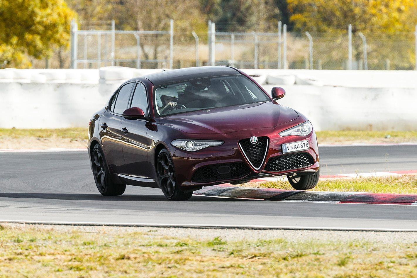 2017 Alfa Romeo Giulia Veloce steering