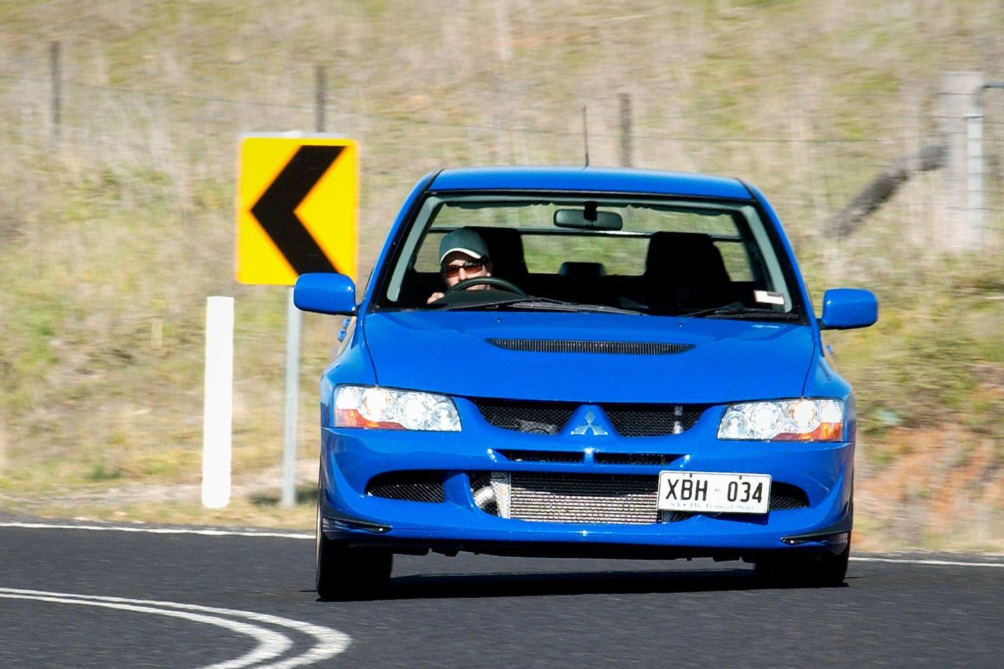 Mitsubishi Evo VIII steering