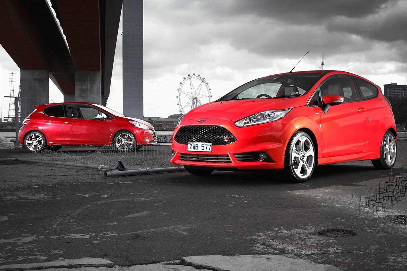 Ford fiesta st vs peugeot 208 gti classic motor - Garage volkswagen saint cloud ...