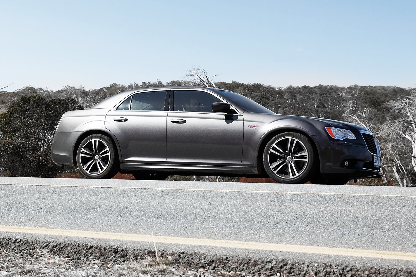 2013 Chrysler 300 SRT8 Core side