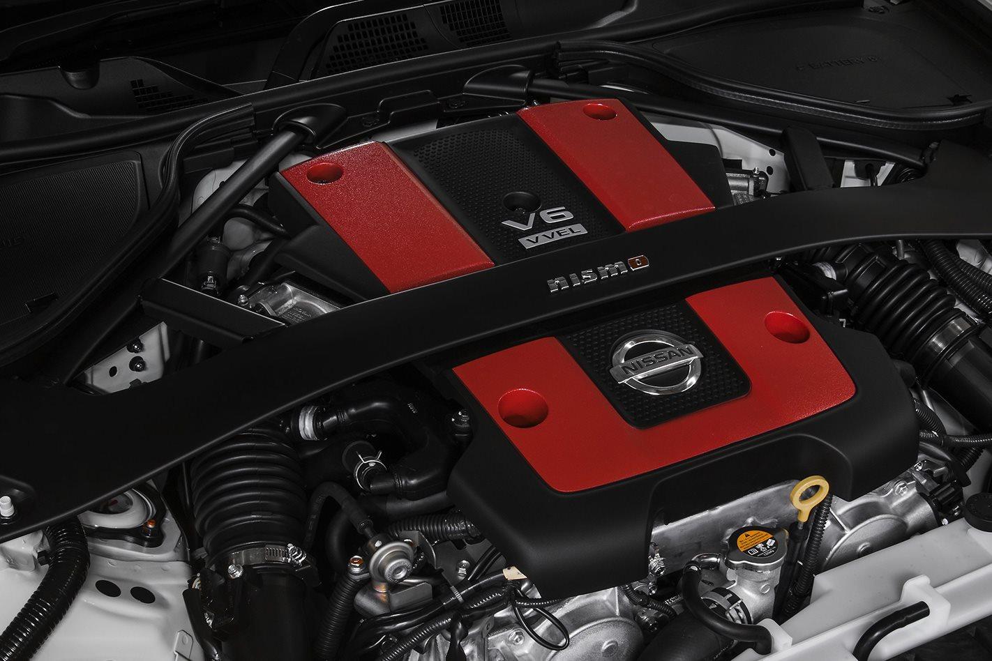 2018 Nissan 370Z Nismo engine