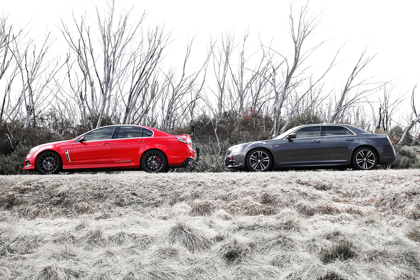 HSV Clubsport vs Chrysler 300 SRT8 Core side