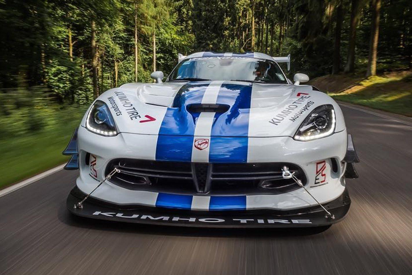 Dodge Viper ACR front