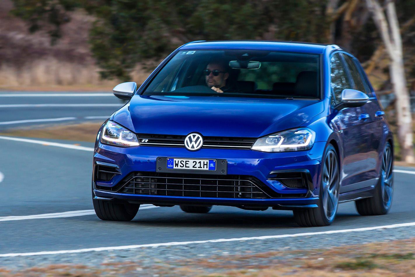 2018-Volkswagen-Golf-R-7.5.jpg
