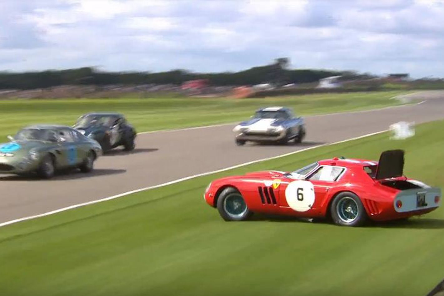 ferrari 250 gto crashes at goodwood revival. Black Bedroom Furniture Sets. Home Design Ideas