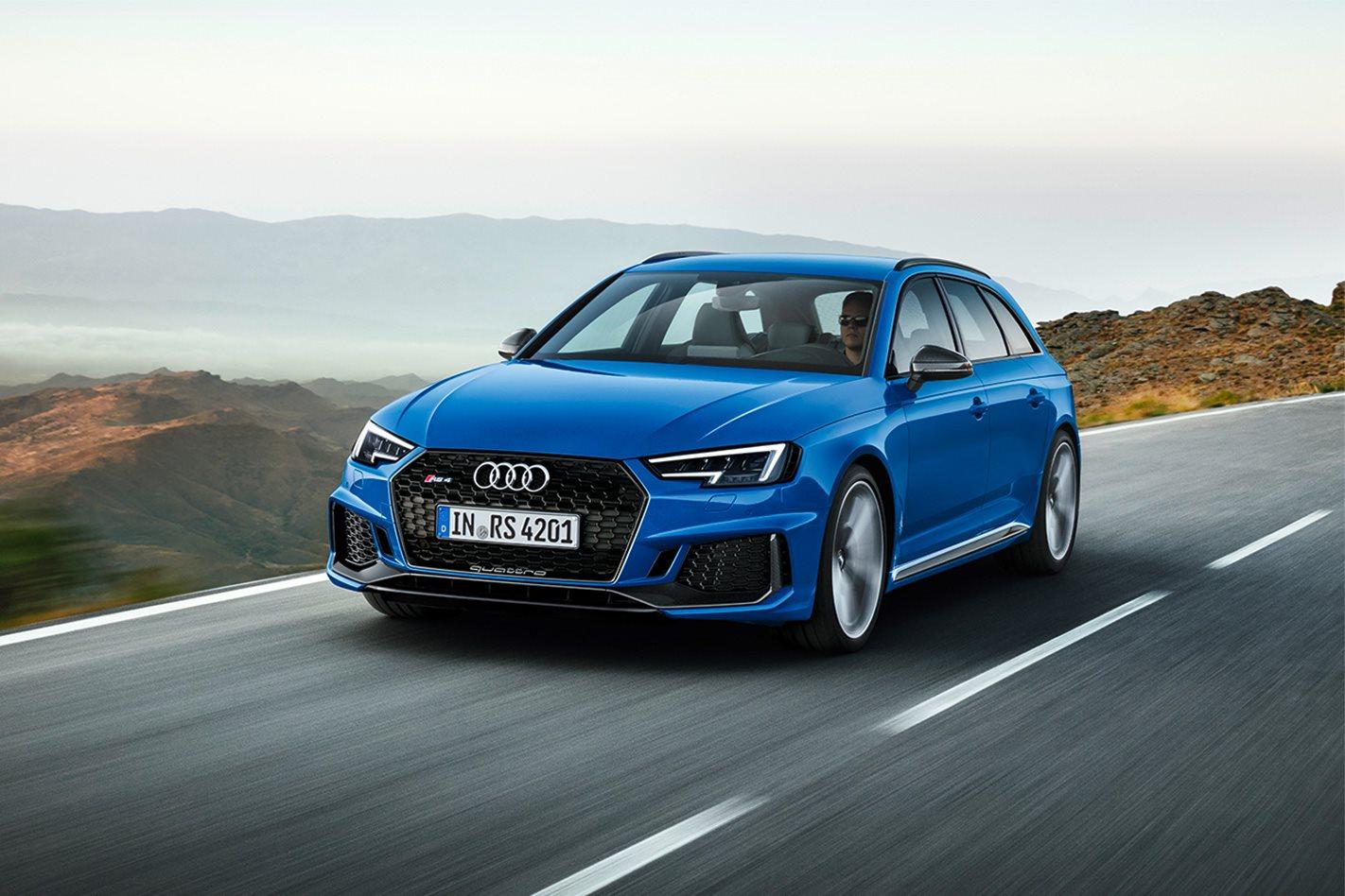 2018 Audi RS4 Avant motion