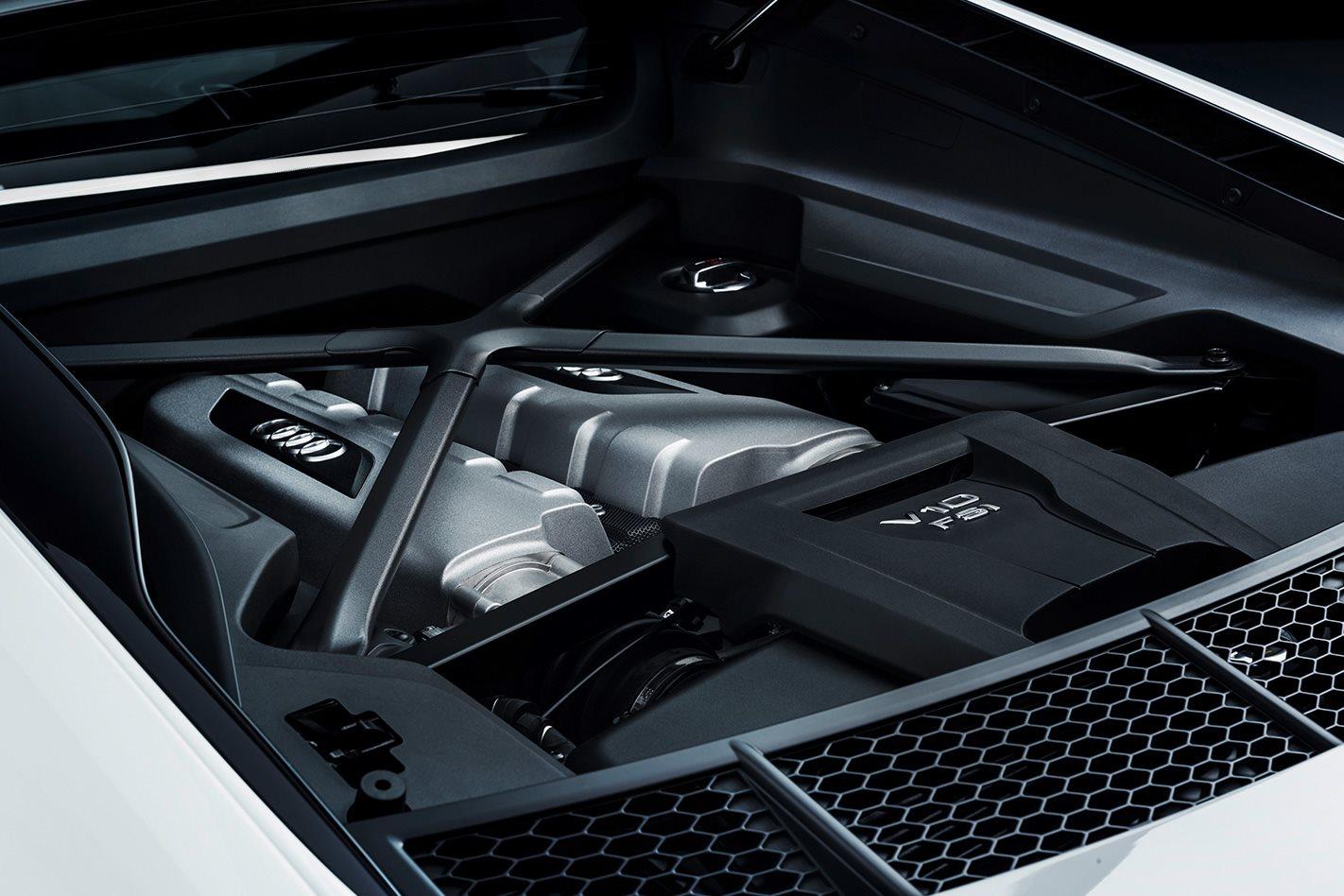 Audi R8 V10 RWS engine.jpg