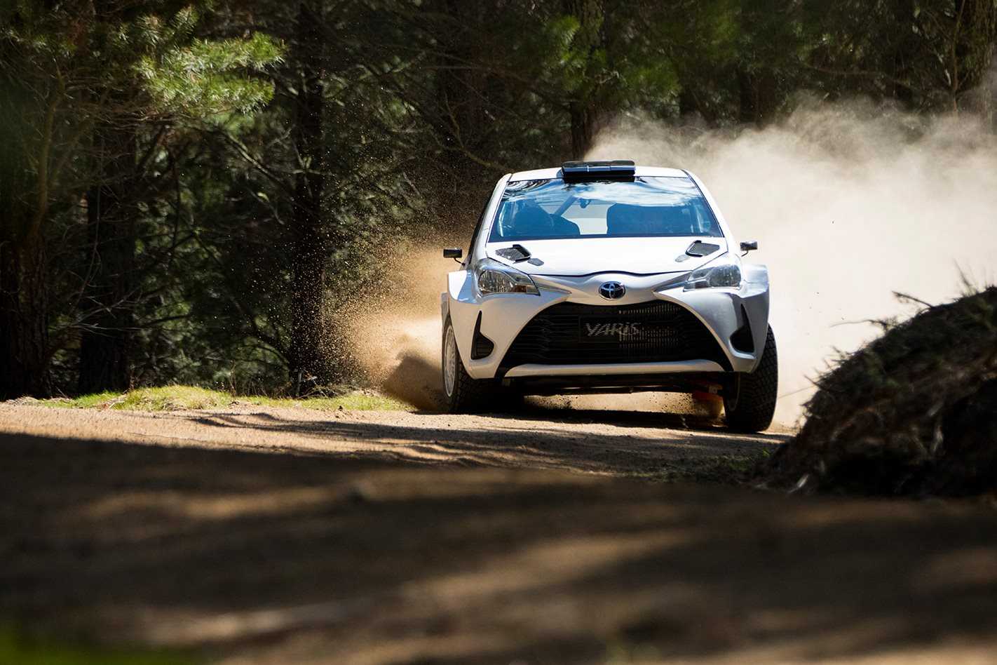 Toyota Yaris AP4 rally car offroading