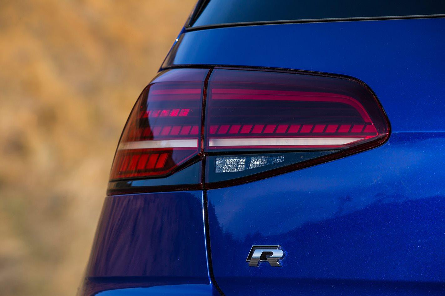 Volkswagen-Golf-R-badge.jpg