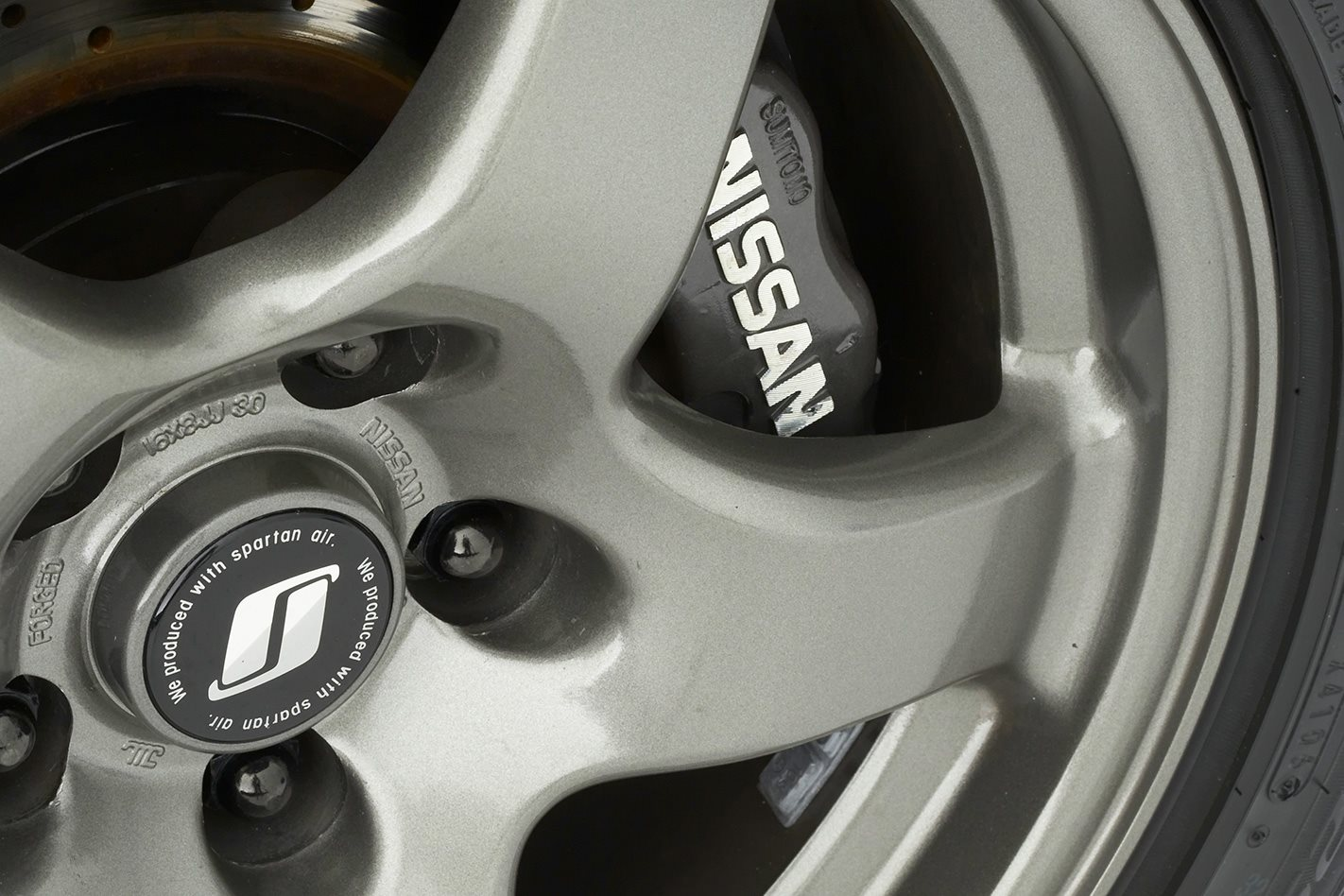 1991-Nissan-Skyline-GT-R-wheel.jpg