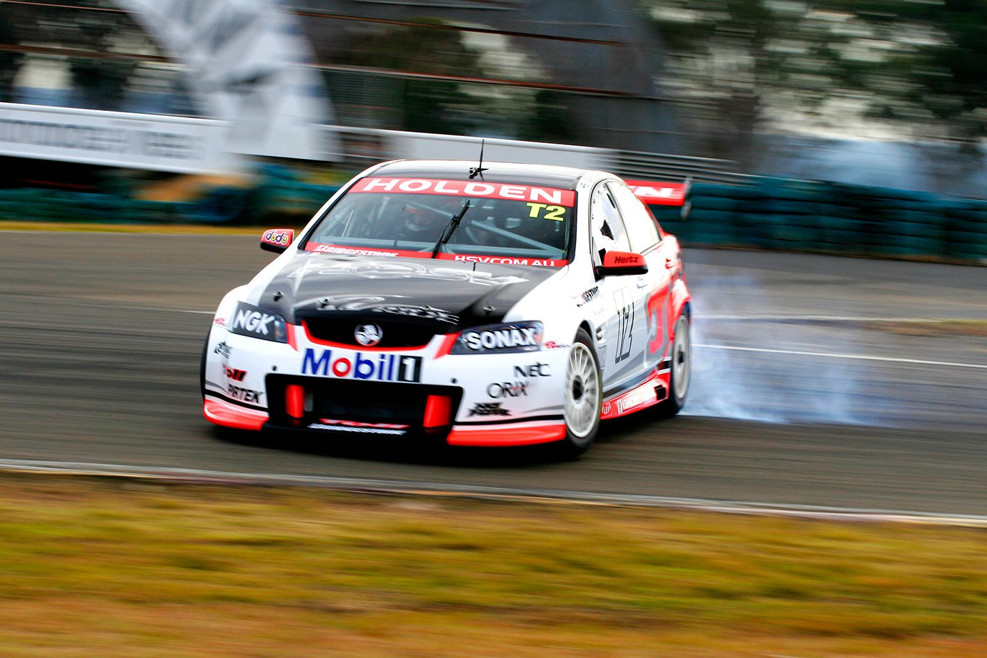 HSV-V8-Supercar-drifting.jpg