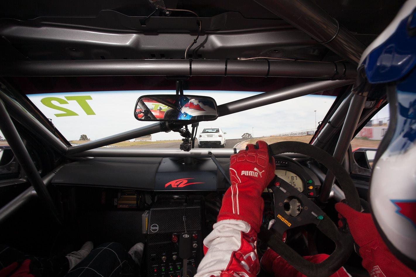HSV-V8-Supercar-interior.jpg
