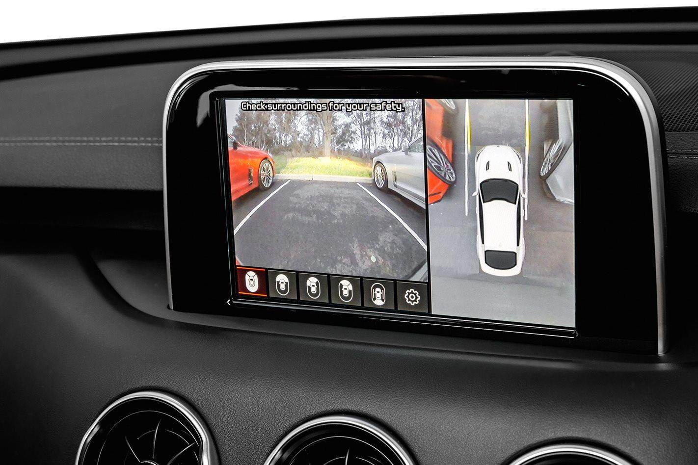 2018-Kia-Stinger-GT-reverse-cam.jpg