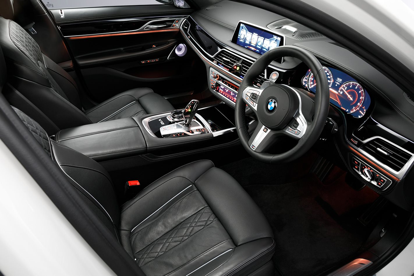 2017-BMW-M760Li-xDrive-interior.jpg