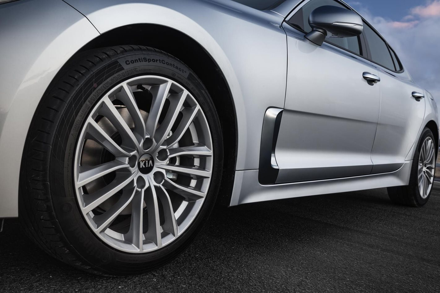 Kia-Stinger-2.0-litre wheel
