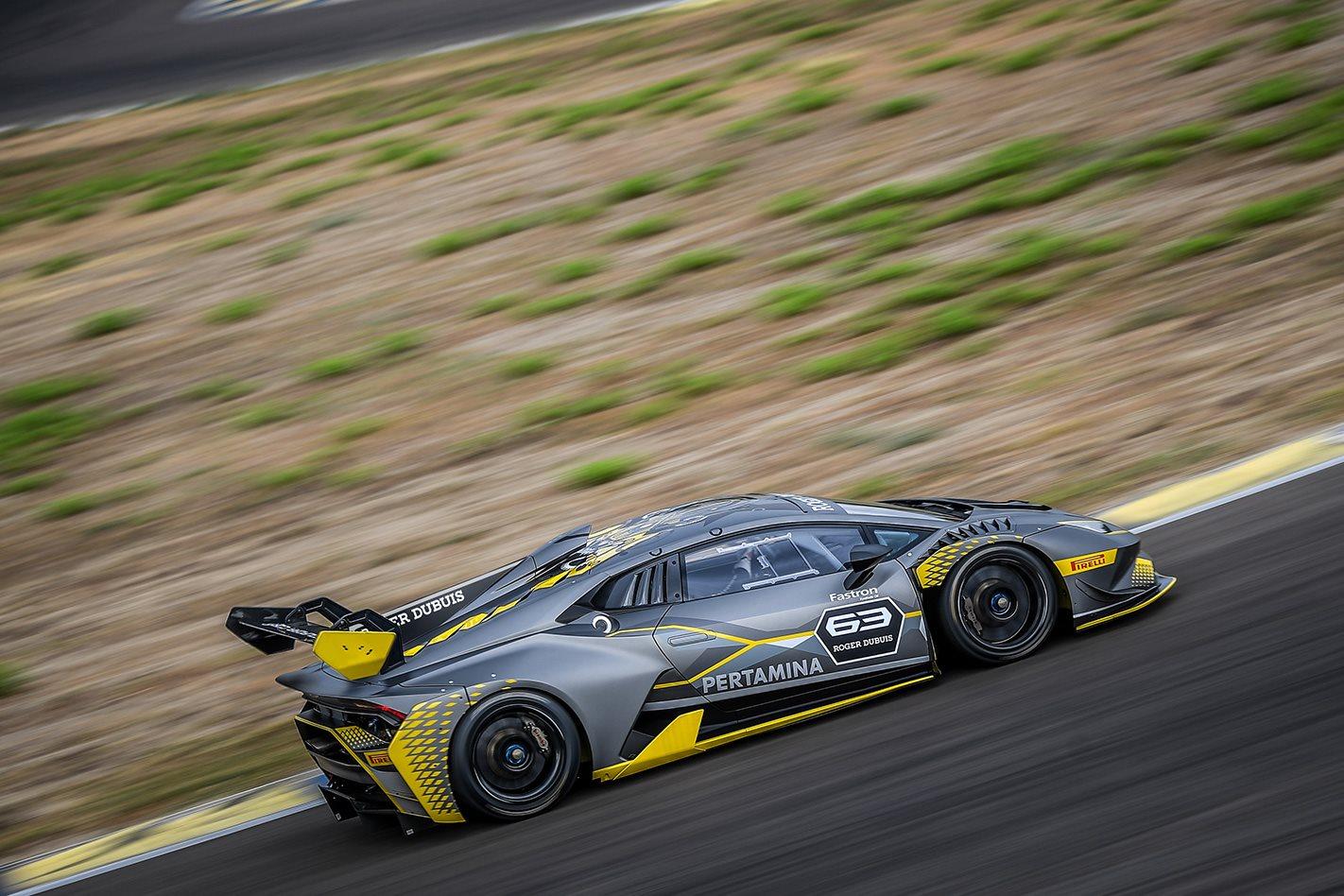 Lamborghini-Huracán-Super-Trofeo-side.jpg