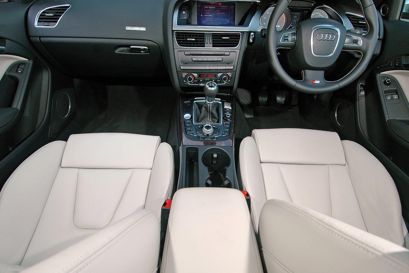 2008 Audi S5 S-Tronic cabin