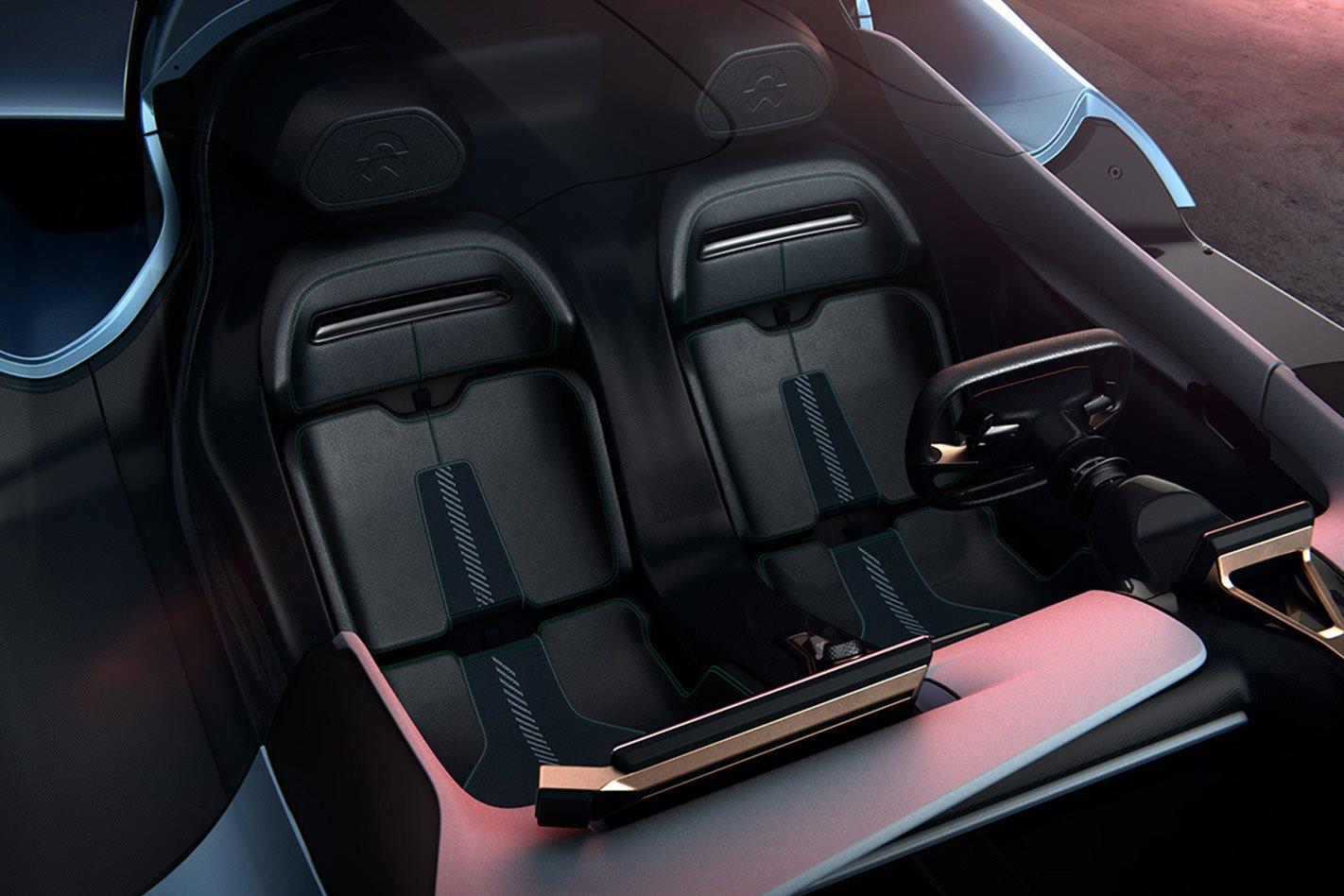 2018-NIO-EP9-electric-supercar-cabin-design.jpg