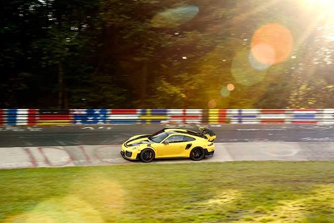Porsche 911 GT2 RS nurburgring lap record