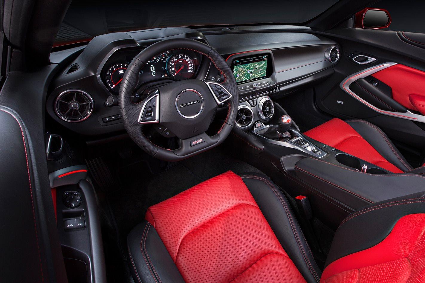 2016-Chevrolet-Camaro-interior.jpg