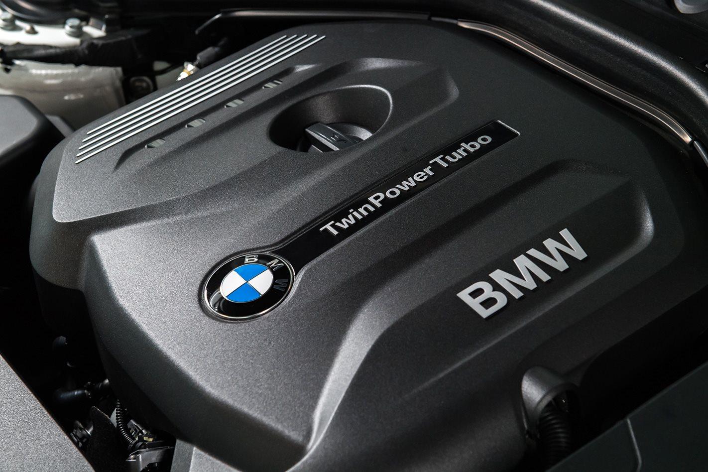 2017 BMW 125i engine.jpg