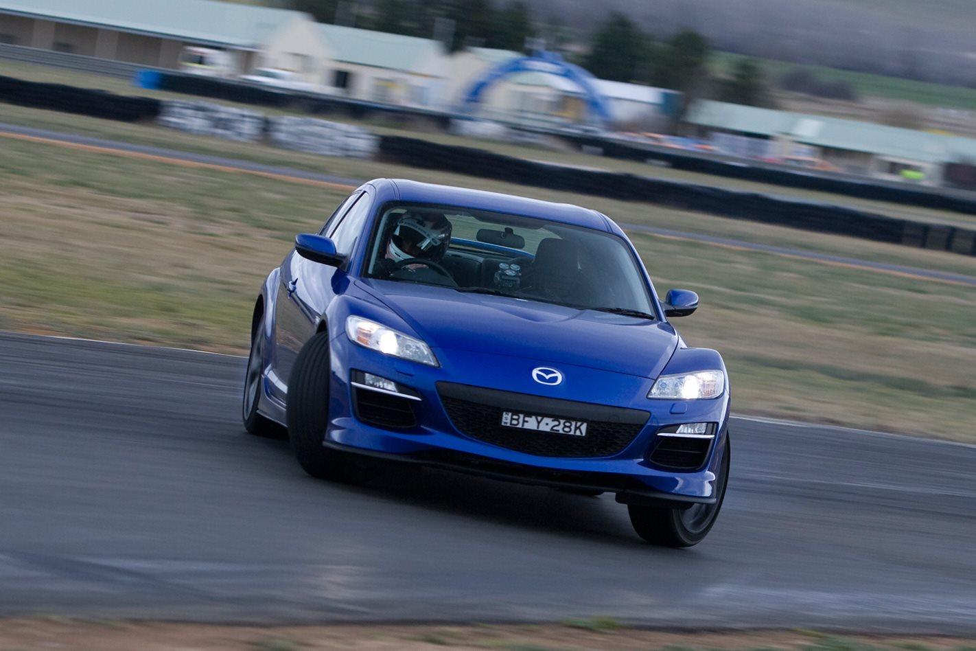 2008-Mazda-RX-8-GT-drifting.jpg