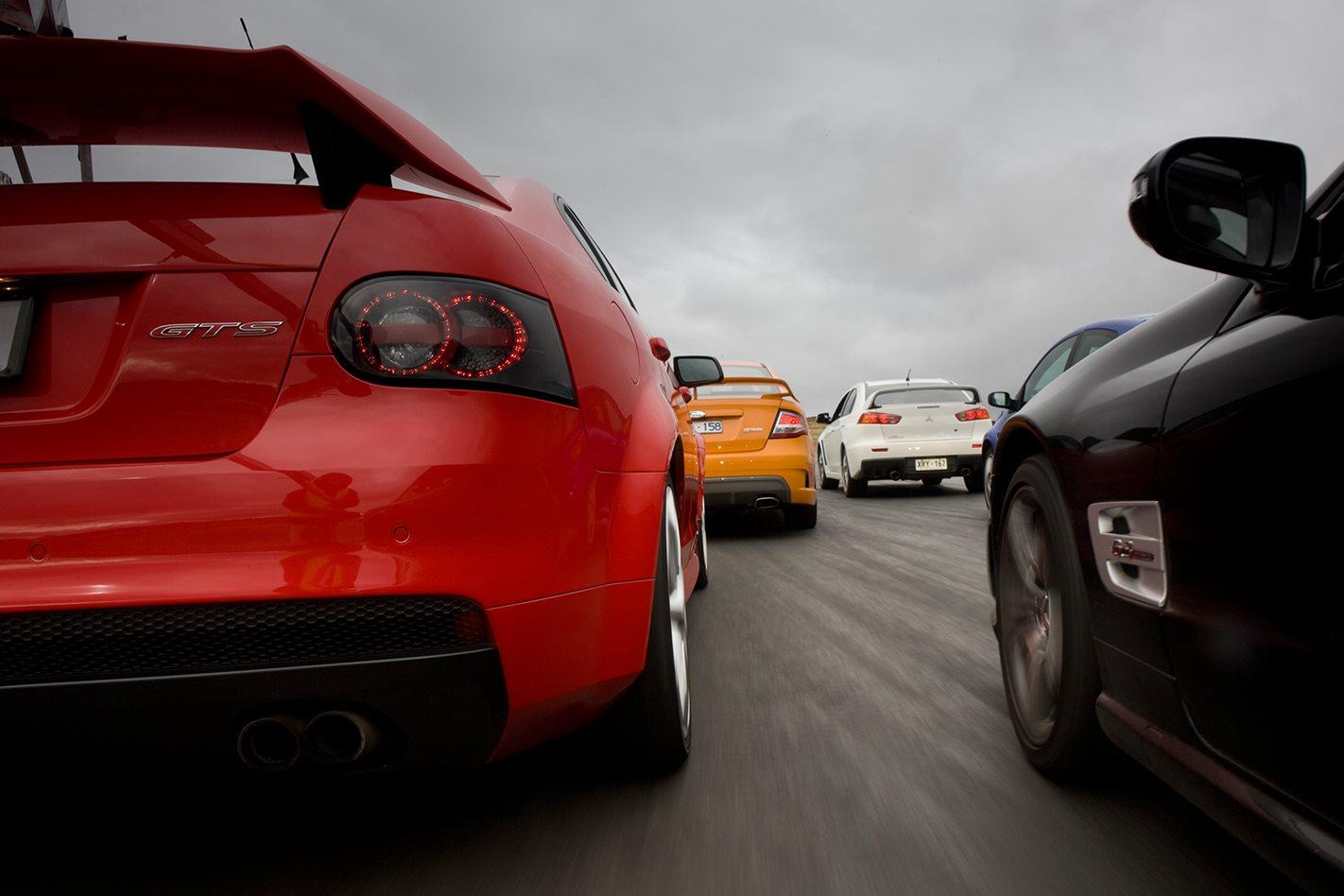 2008-HSV-GTS-rear.jpg