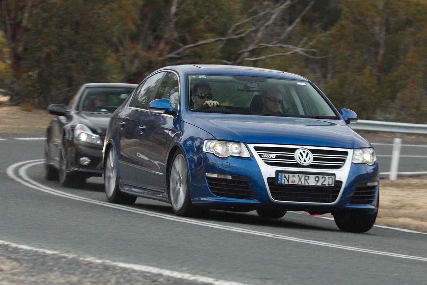 2008-Volkswagen-Passat-R36-front.jpg