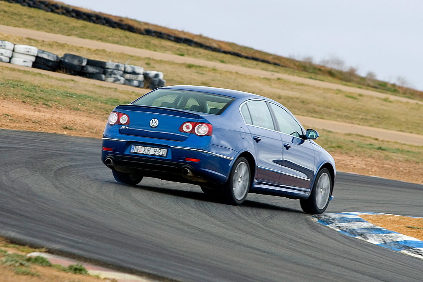 2008-Volkswagen-Passat-R36-rear.jpg