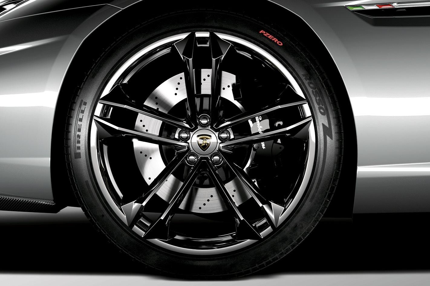 Lamborghini-Estoque-wheels.jpg