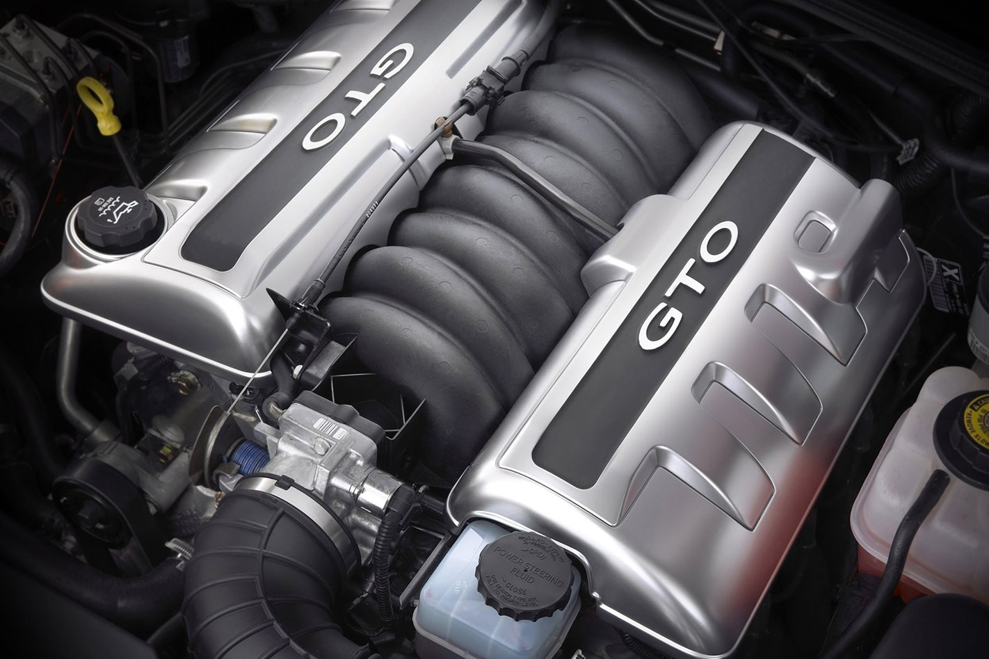 2004-Pontiac-GTO-engine.jpg