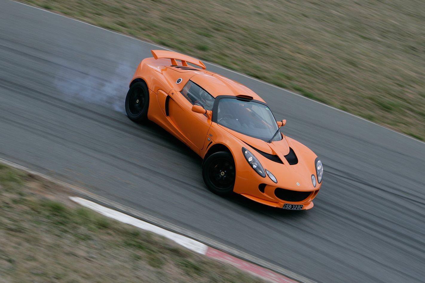 2008-Lotus-Exige-S-PP-steering.jpg