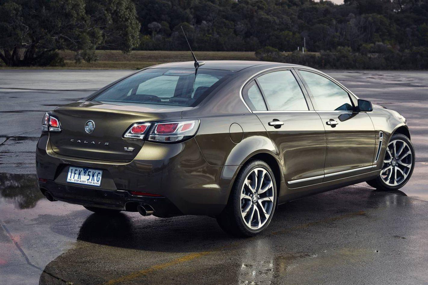 2017-Holden-Calais-V-based-Director-sedan.jpg
