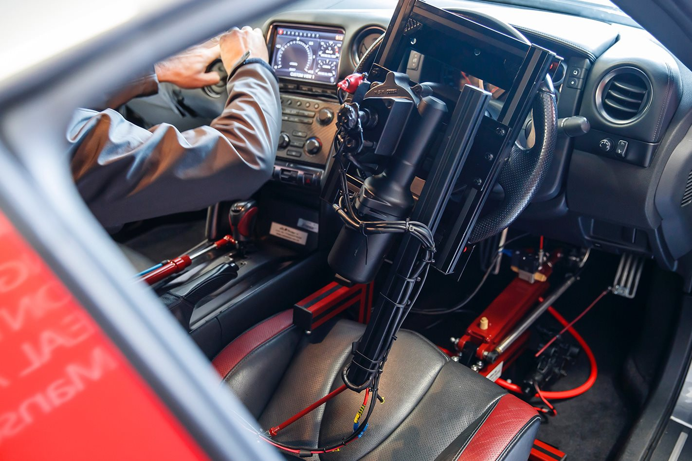 Nissan GT-R Remotely Driven With PS Controller Hits 130 miles per hour