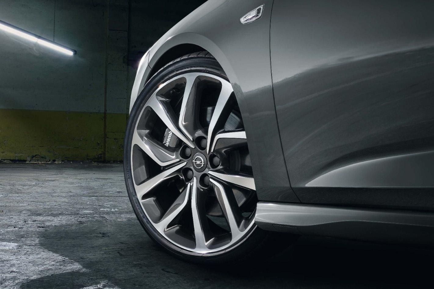 Opel Insignia GSi wheel