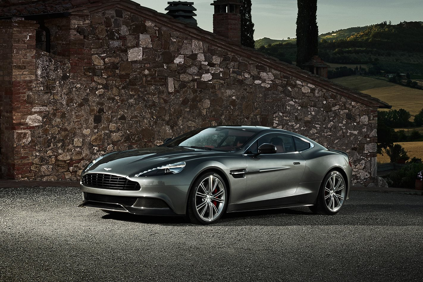 2012-Aston-Martin-Vanquish-exterior.jpg