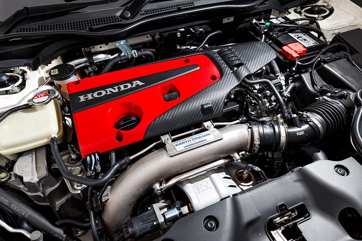 2017-Honda-Civic-Type-R-engine.jpg