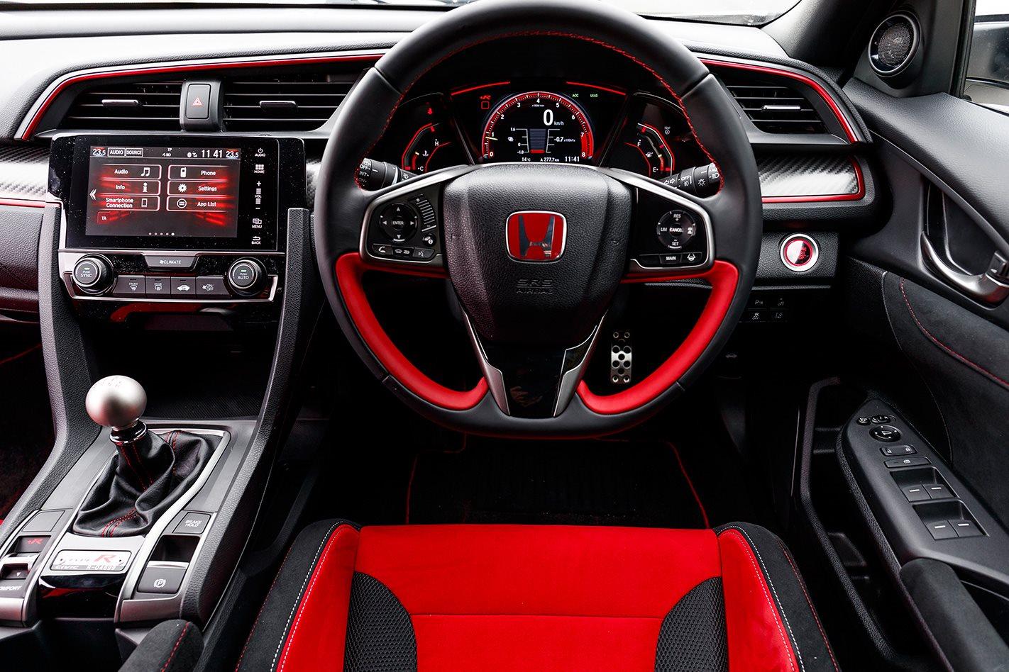 2017-Honda-Civic-Type-R-steering-wheel.jpg