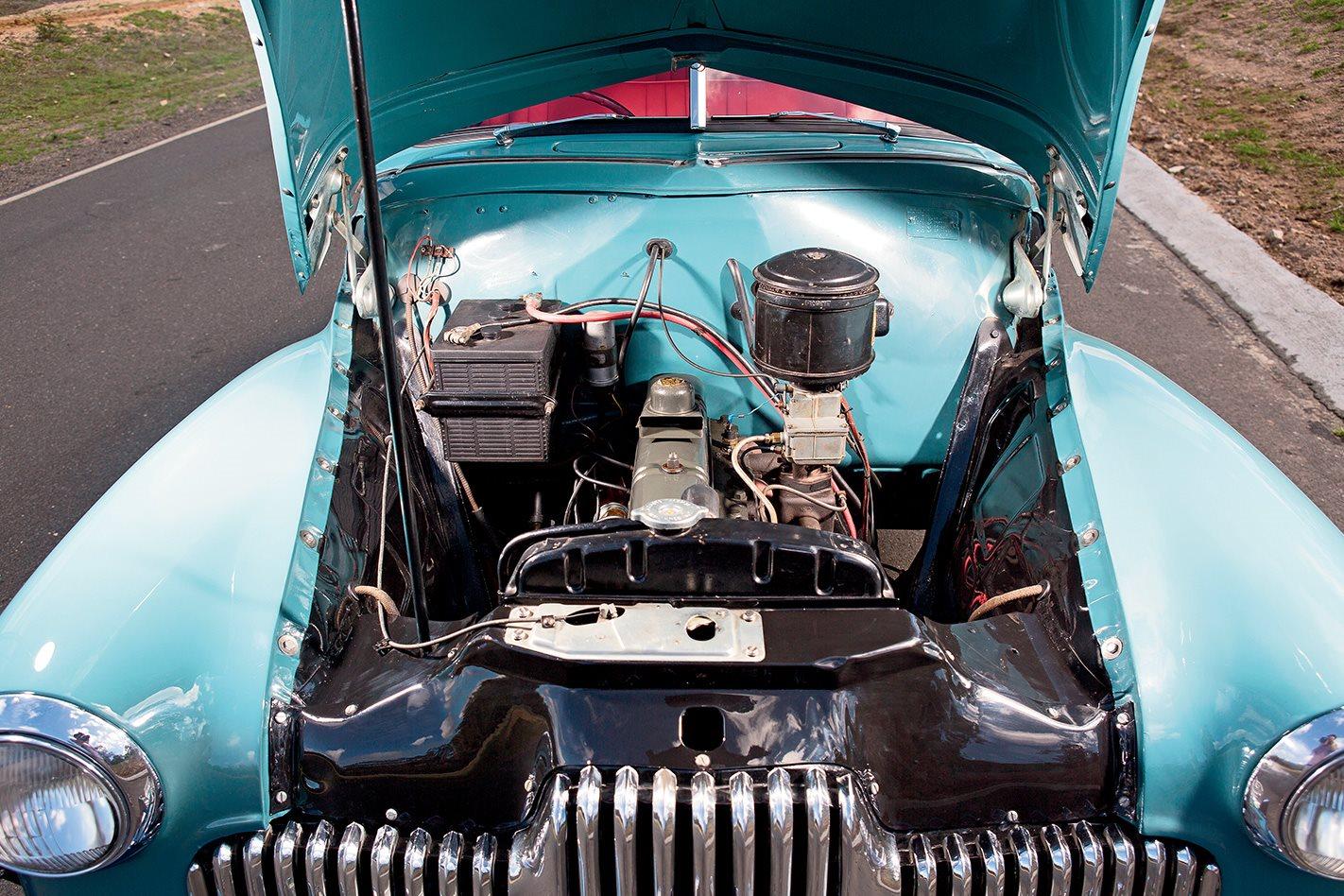 1948-Holden-215-engine.jpg